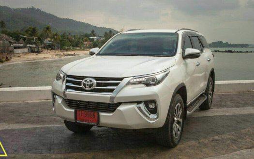 Новая белая Toyota Fortuner в аренду на острове Самуи
