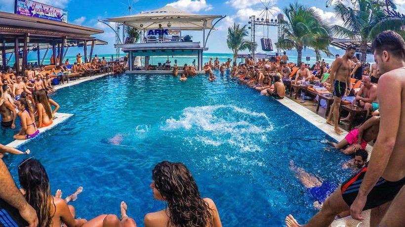 Pool party в ARK bar