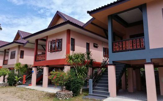 Бюджетный дом 2 спальни в районе Маенам