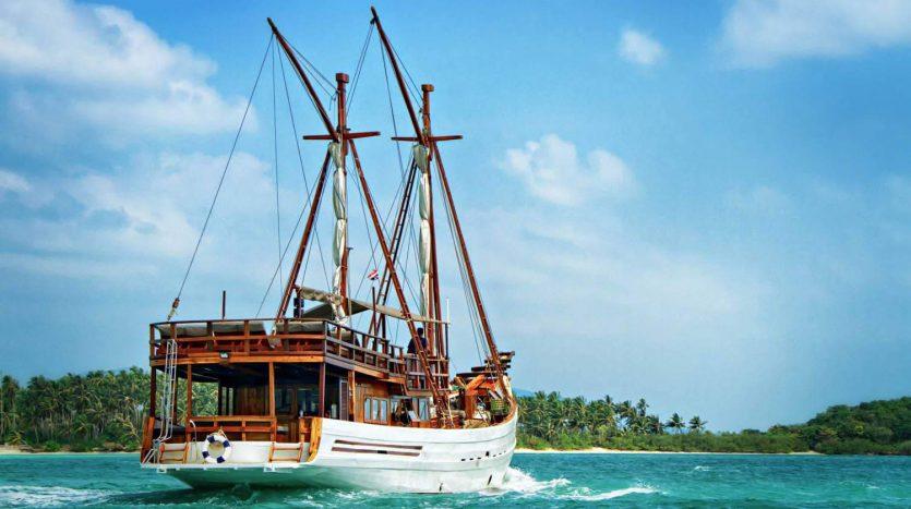Вокруг острова Самуи на корабле BAIDEE