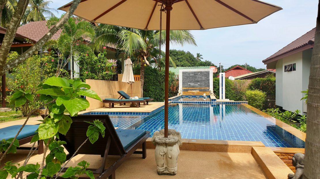Двуспальный дом с бассейном в 400 м от пляжа Ламаи в аренду на Самуи