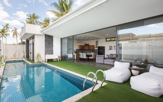 Buying a villa with 2 bedrooms in Samui