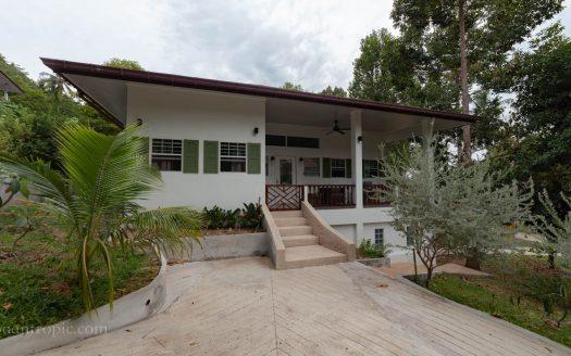 Вилла с 3 спальнями в районе Ламаи в аренду на Самуи