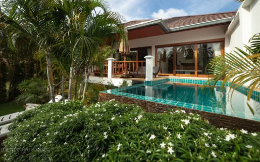 COVID price 1-bedroom villa with pool and garden in Maenam for rent in Samui
