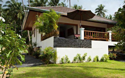 COVID price Вилла с 1 спальней, бассейном и садом в районе Маенам в аренду на Саумуи