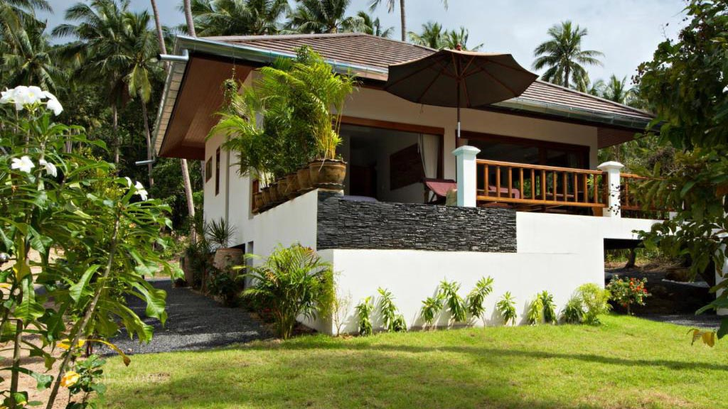 COVID price 1-bedroom villa with pool and garden in Maenam for rent in Saumui