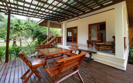 Two-bedroom villa on Bang Po beach for rent Samui