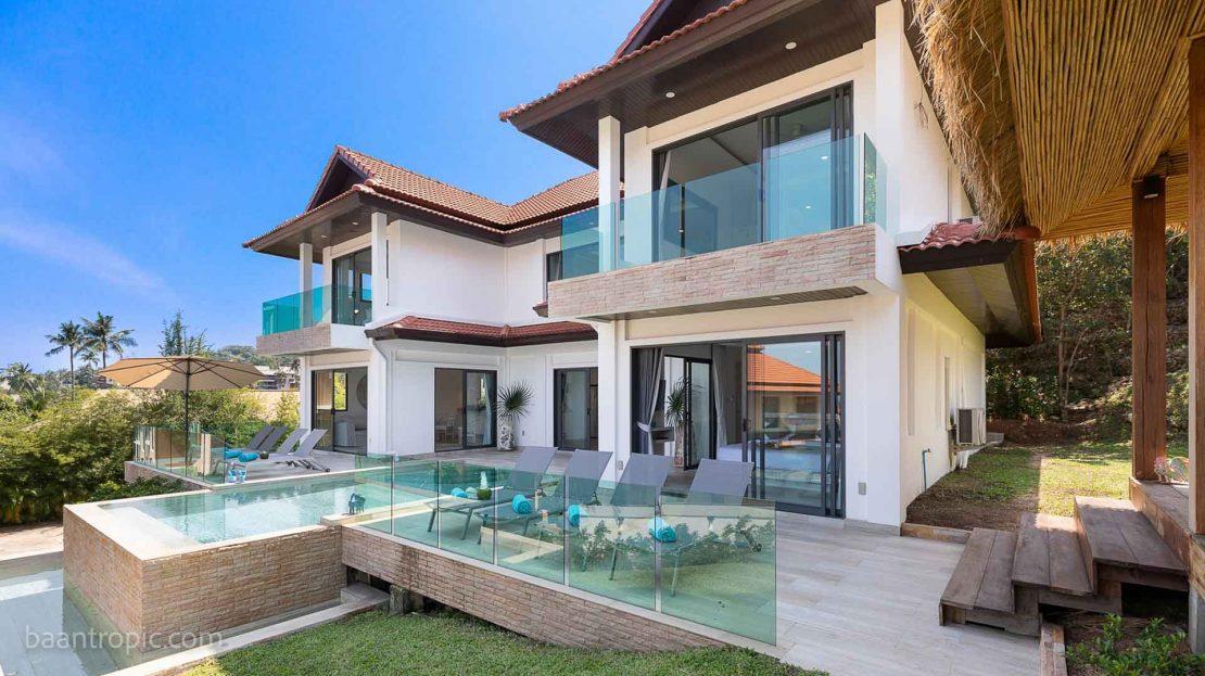 Exquisite 4-Bedroom Beachfront Oceanfront Villa