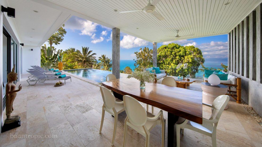 3 bedroom villa with sea view