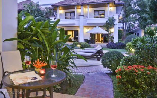Роскошный дом с 2 спальнями в районе Банг Рак в аренду на Самуи
